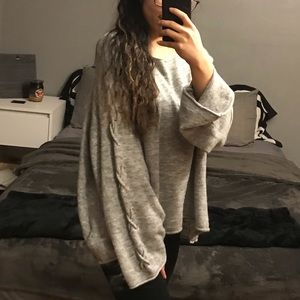Grey Sweater w large sleeves